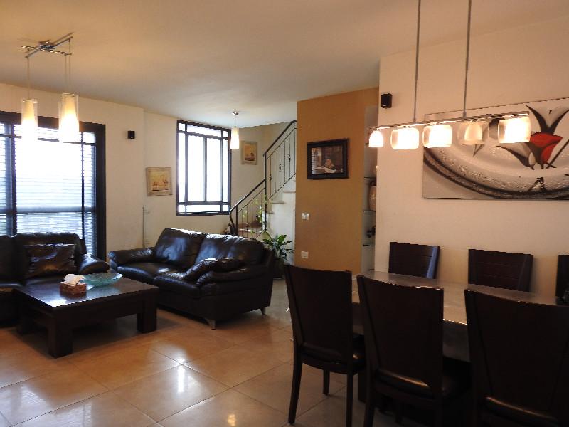מאוד צופית נכסים | דירות למכירה בראש העין | נכסים נבחרים LD-32